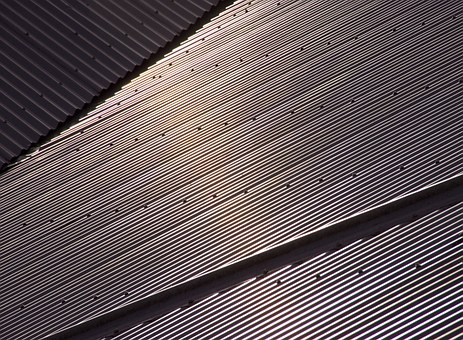 Things That Your Contractor Should Not Do When Installing A Metal Roof